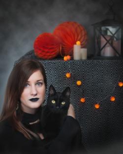 Ma soeur Pauline et son chat noir Oréo